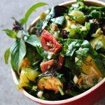 Salade d'aubergines, patates, basilic thaï et plus