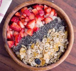 Réveil en douceur; muesli fraise & fleur