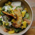 Salade tropicale sauce au curcuma mangue et ananas